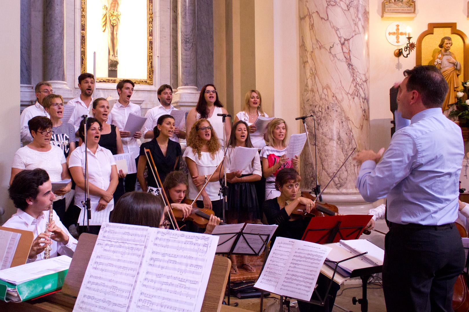 Coro e orchestra per il matrimonio di Elisa a David