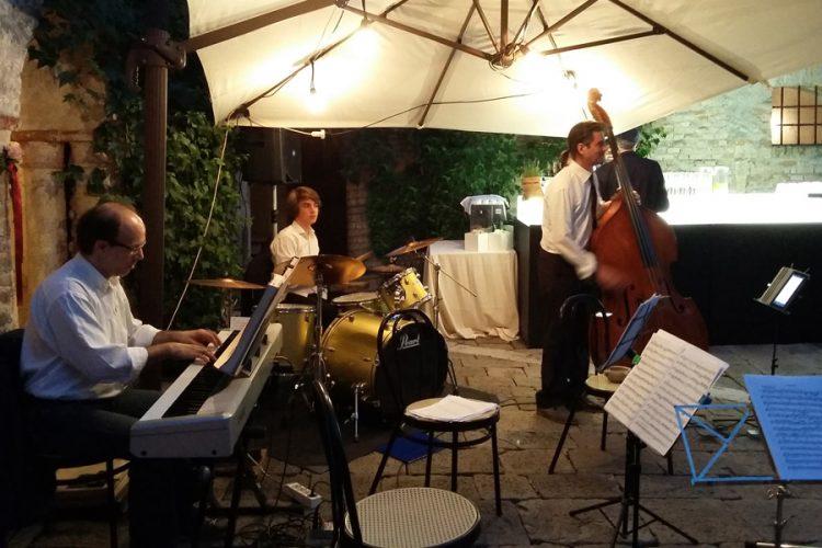 trio jazz swing piano basso batteria associazione phileo